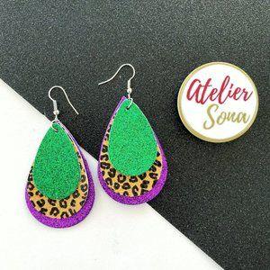 Mardi Gras Sparkly Leopard Print Earrings - Green